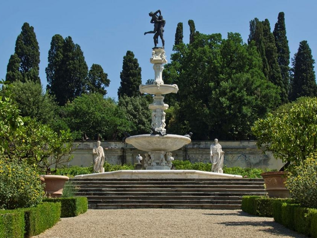 La villa medicea di Castello, oggi sede dell'Accademia della Crusca e il suo giardino